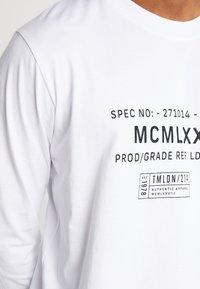 Topman - WHITE MILITARY TEXT TEE - T-shirts print - white - 5