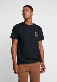 Topman - MIDNIGHT FLOWER TEE - T-shirt z nadrukiem - black - 0