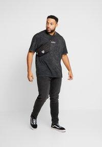 Topman - T-shirts med print - black - 1
