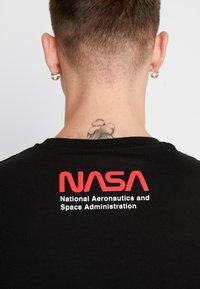 Topman - NASA TEE - T-shirt con stampa - black - 4