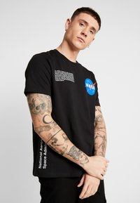 Topman - NASA TEE - T-shirt con stampa - black - 0