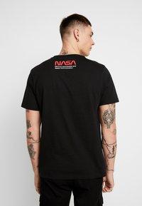 Topman - NASA TEE - Camiseta estampada - black - 2