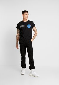 Topman - NASA TEE - T-shirt con stampa - black - 1