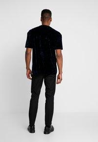 Topman - CRUSHED TEE - T-shirt print - navy - 2