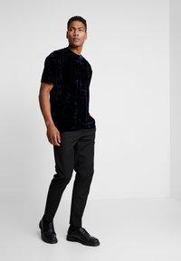 Topman - CRUSHED TEE - T-shirt print - navy - 1