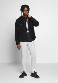 Topman - MONO TEE - T-shirt med print - black - 1