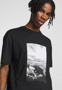Topman - MONO TEE - T-shirt med print - black - 4