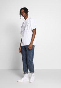 Topman - SKETCH TEE - T-shirt imprimé - white - 1