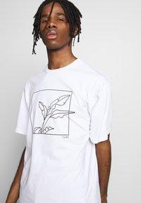 Topman - SKETCH TEE - T-shirt imprimé - white - 3
