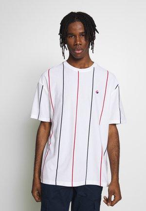 STRIPE - T-shirt imprimé - white