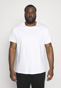 Topman - CLASSIC 3 PACK - T-shirt basic - white/khaki/tan - 3