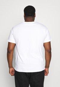 Topman - CLASSIC 3 PACK  - T-shirt basic - white - 3