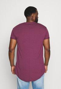 Topman - SCOTTY  3 PACK - Jednoduché triko - white/dark blue/burgundy - 4