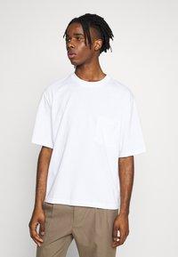 Topman - BOXY ORGANIC TEE - T-shirt basic - white - 0