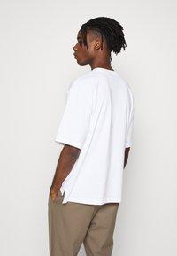 Topman - BOXY ORGANIC TEE - T-shirt basic - white - 2