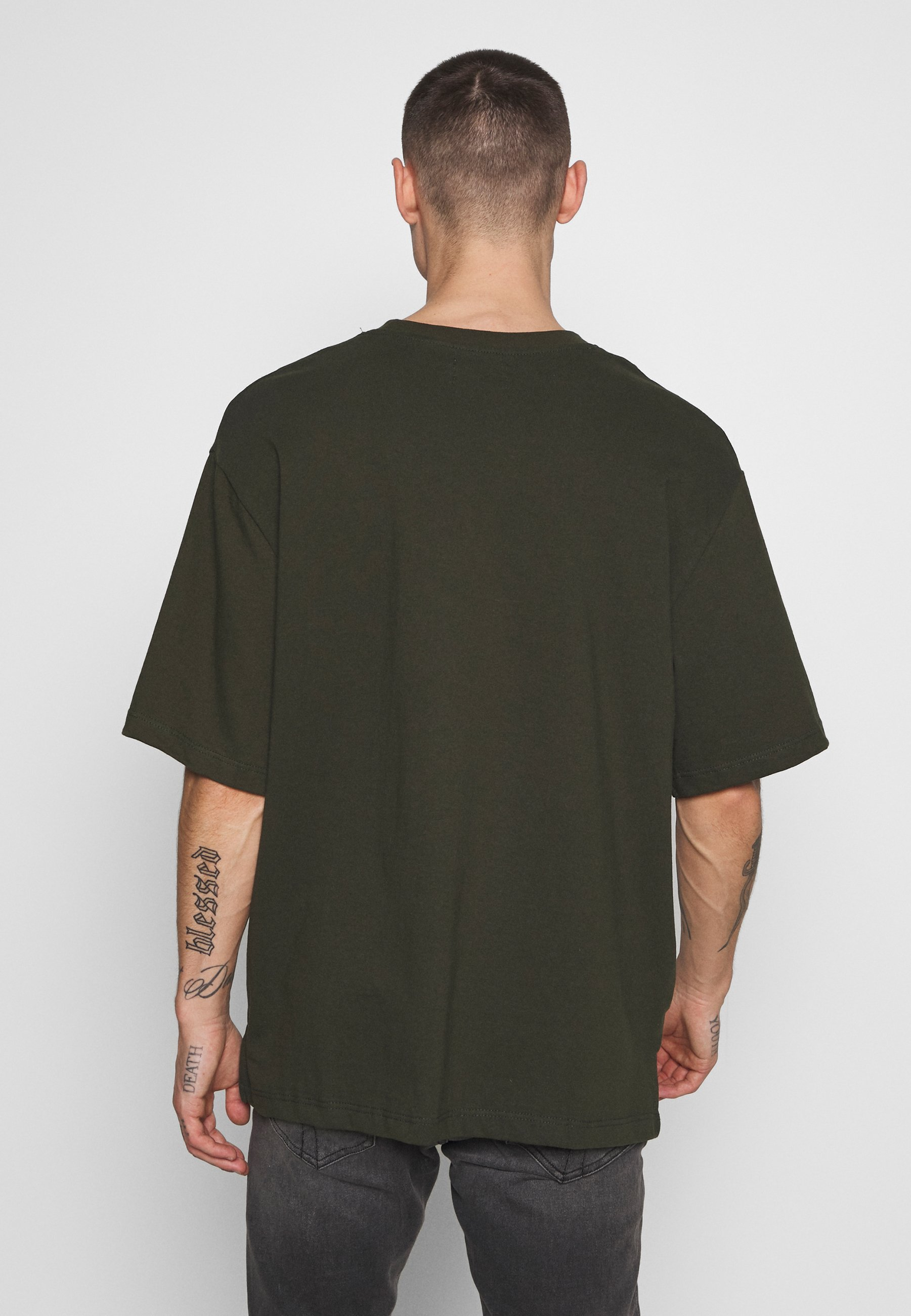 Topman BOXYKHAKIPKT ORGANIC TEE - T-shirt basic - khaki