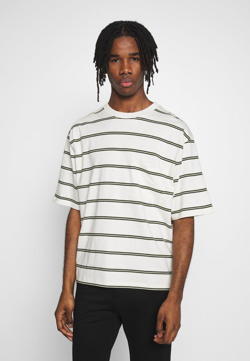 Topman - BOXY - Print T-shirt - off white