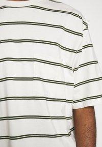 Topman - BOXY - Print T-shirt - off white - 5