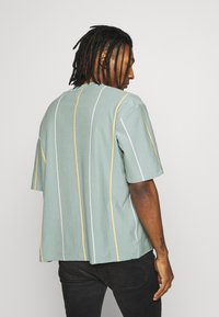 Topman - JADETTE BOXY STRIPE - Print T-shirt - green - 2