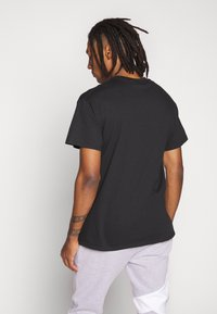Topman - EVERYTHING TEE - T-shirt med print - black - 2