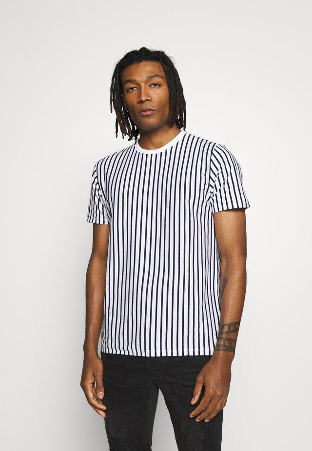 STRIPE - T-shirt med print - white