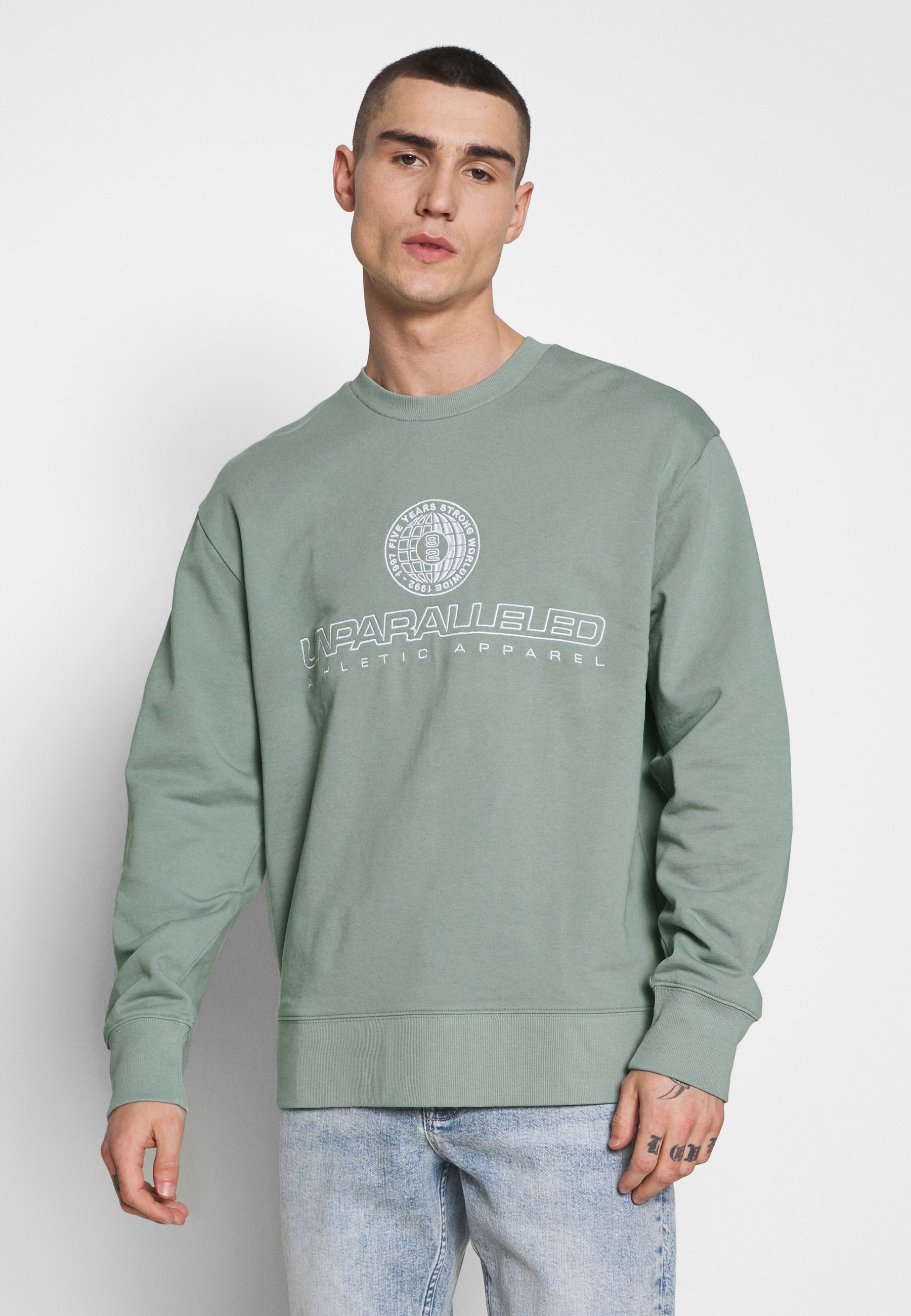 SAGE FRONT & BACK CIRCLE GRAPHIC CREW Sweatshirt light green