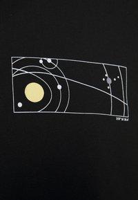 Topman - UNISEX SKETCH COSMIC TEE - Print T-shirt - black - 5