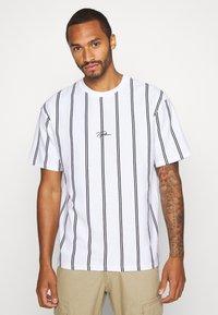Topman - STRIPE SIGNATURE TEE - T-shirt con stampa - white - 0