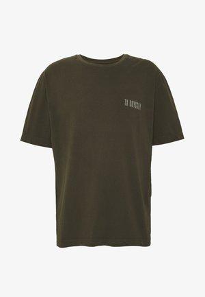 ODYSSEY TEE - T-shirts med print - khaki