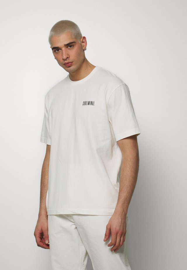 WASHED TEE - Print T-shirt - off white