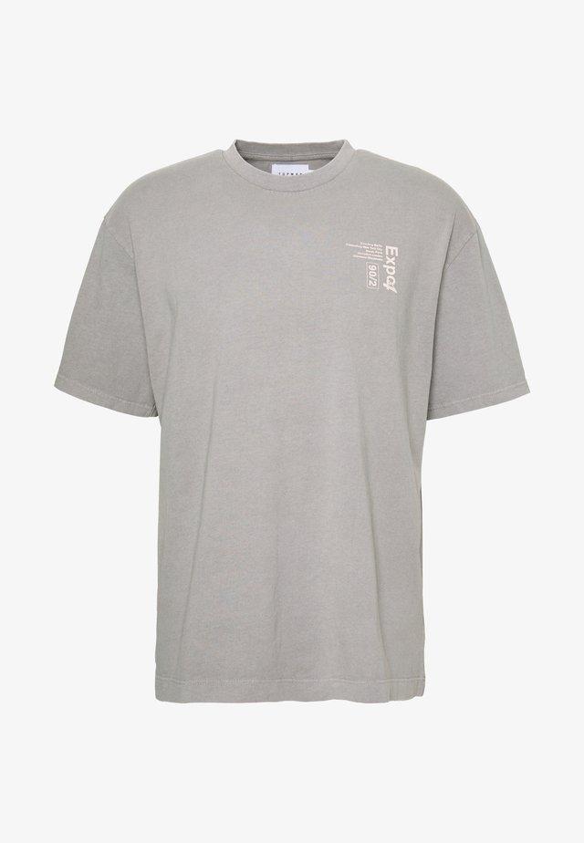 UNISEX WASHED TEE - T-shirt imprimé - grey
