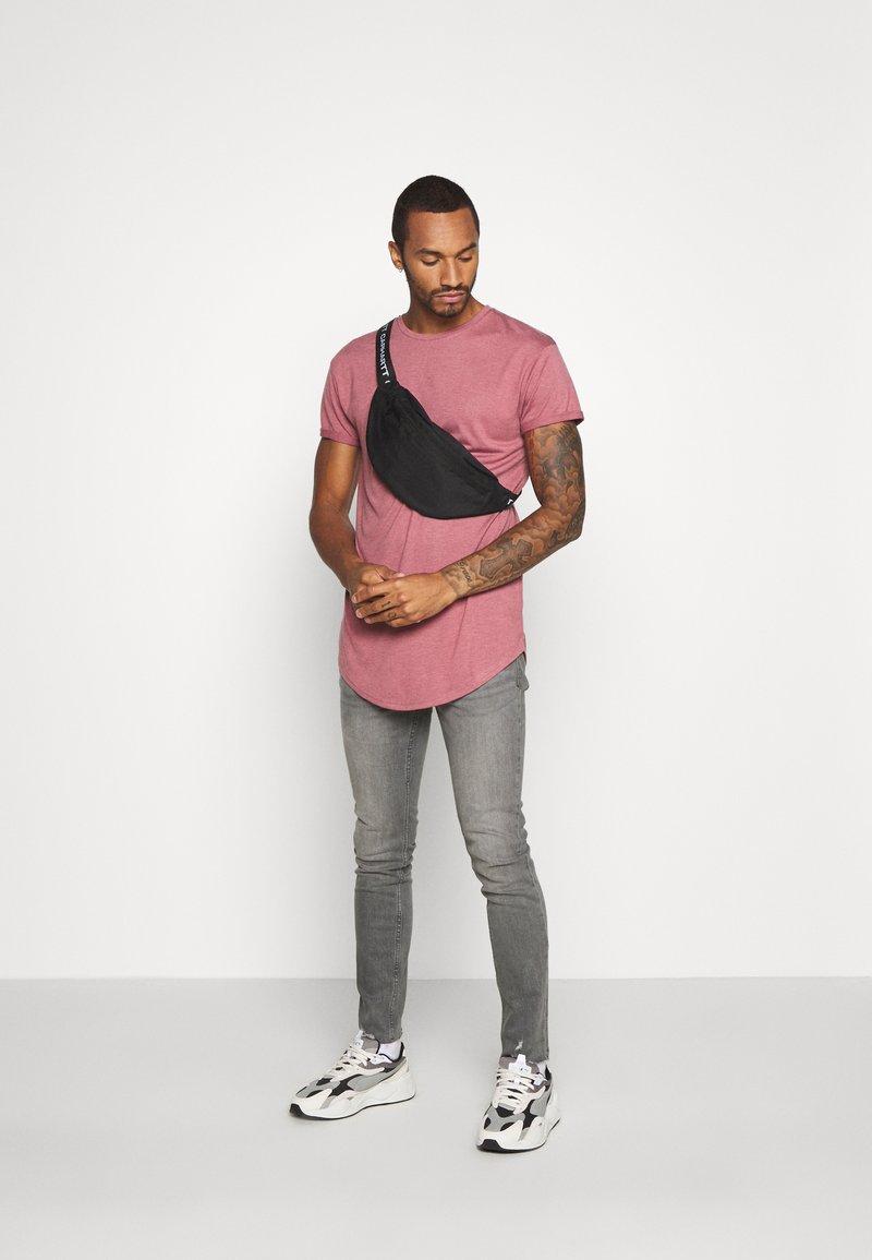 Topman - 2 PACK SCOTTY  - T-shirt basique - pink/stone