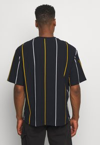 Topman - BOXY  - T-shirts med print - dark blue - 2