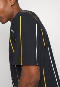 Topman - BOXY  - T-shirts med print - dark blue - 5
