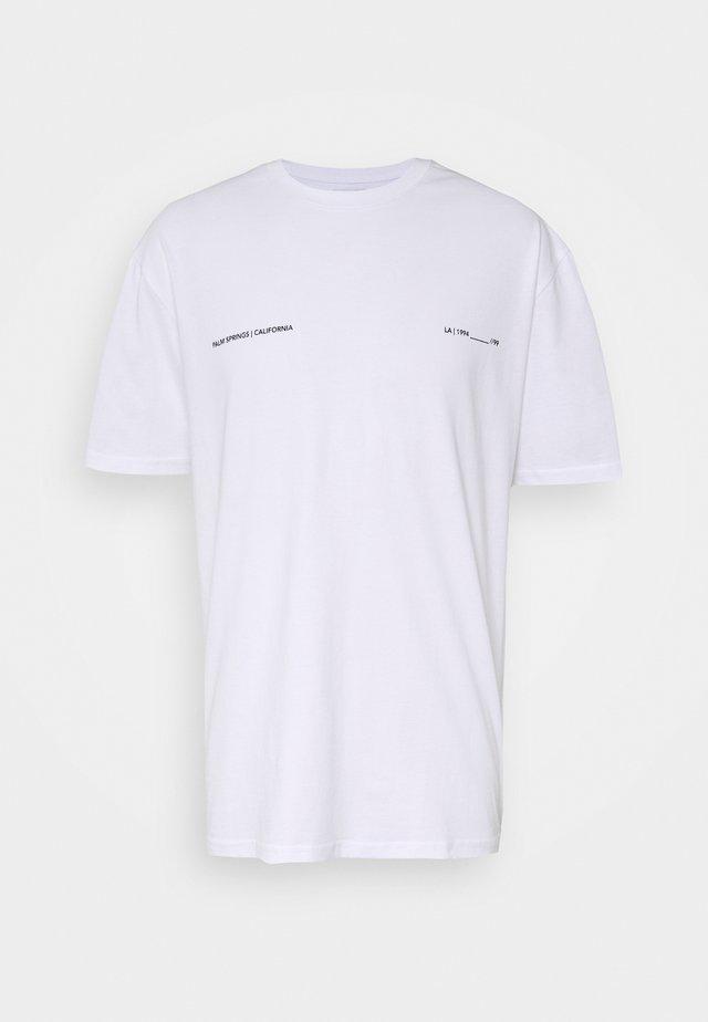 PALM DEST - Print T-shirt - white