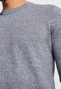 Topman - SALT PEPPER CREW  - Sweter - grey - 5