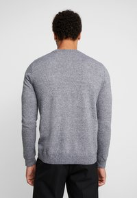 Topman - SALT PEPPER CREW  - Sweter - grey - 2
