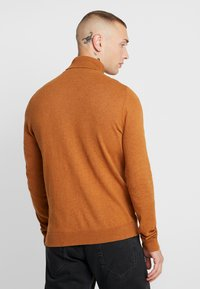 Topman - BASIC ROLL - Jersey de punto - brown