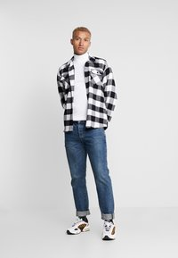 Topman - ROLL NECK - T-shirt à manches longues - white - 1
