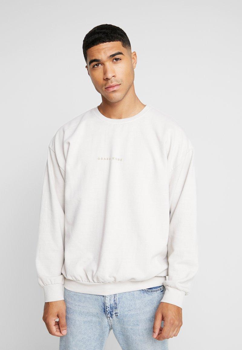 Topman - OSKAPUFF PRINT - Sweatshirt - stone
