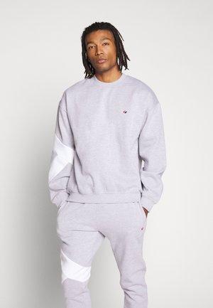 LARGE SWEAT - Sweatshirt - gry