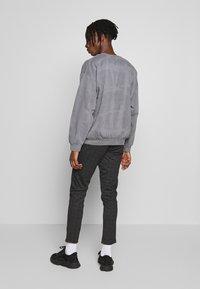 Topman - BLACK WASHED BERLIN - Sweatshirt - grey - 2