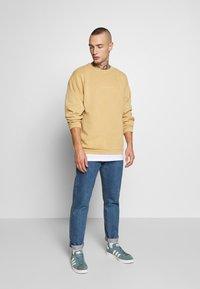 Topman - PORTLAND - Sweatshirt - mustard - 1