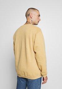 Topman - PORTLAND - Sweatshirt - mustard - 2