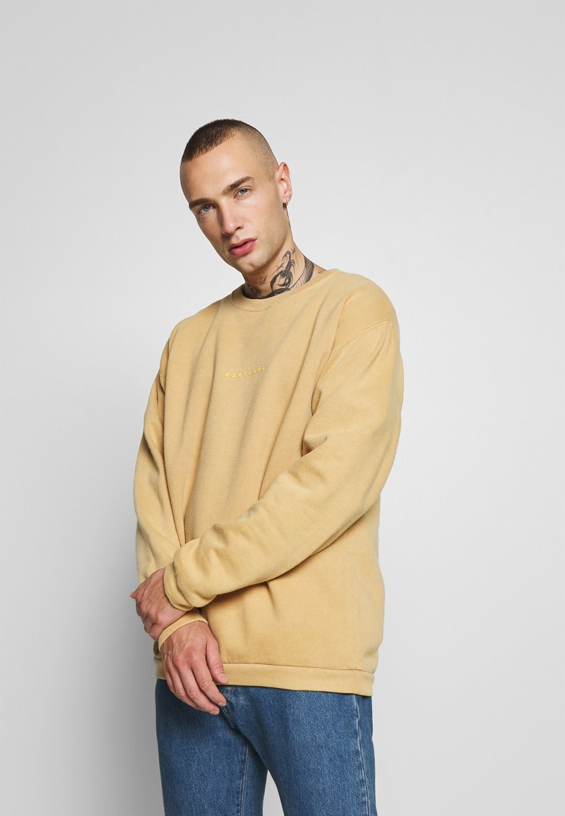 Topman - PORTLAND - Sweatshirt - mustard