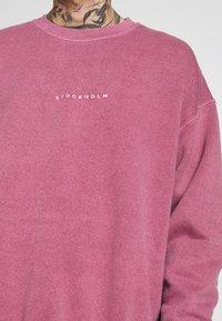 Topman - BURG WASHED STOCKHOLM  - Sweatshirt - mauve - 5