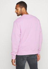 Topman - UNISEX SIGNATURE - Sweatshirt - lilac - 2