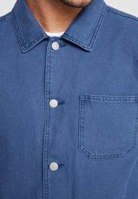 Topman - CHORE - Lehká bunda - blue - 6