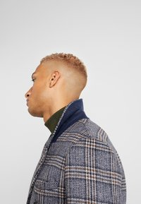 Topman - BLUE CHECK DOUBLE BREASTED - Abrigo - brown - 3