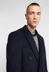 Topman - BERRY FRASER DOUBLE BREASTED - Cappotto classico - navy - 3